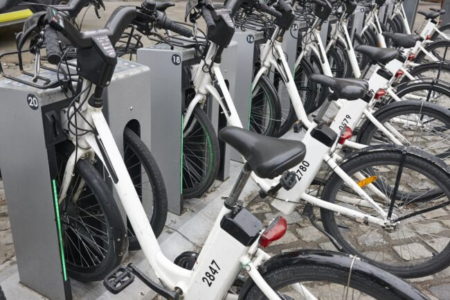 vélo électrique en charge
